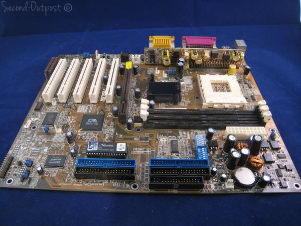 A7V KT133 Athlon Thunderbird